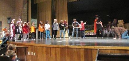 Compass-School-Story-Telling-3-5-12-021